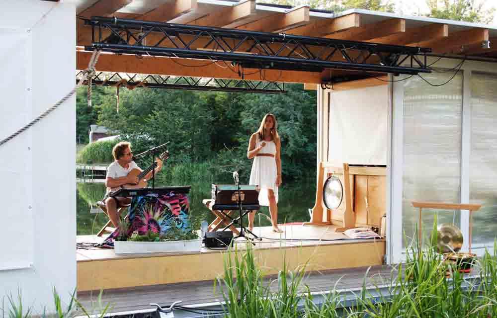 Offene Bühne, Auftritt von AnnaShem auf der Traumschüffbühne