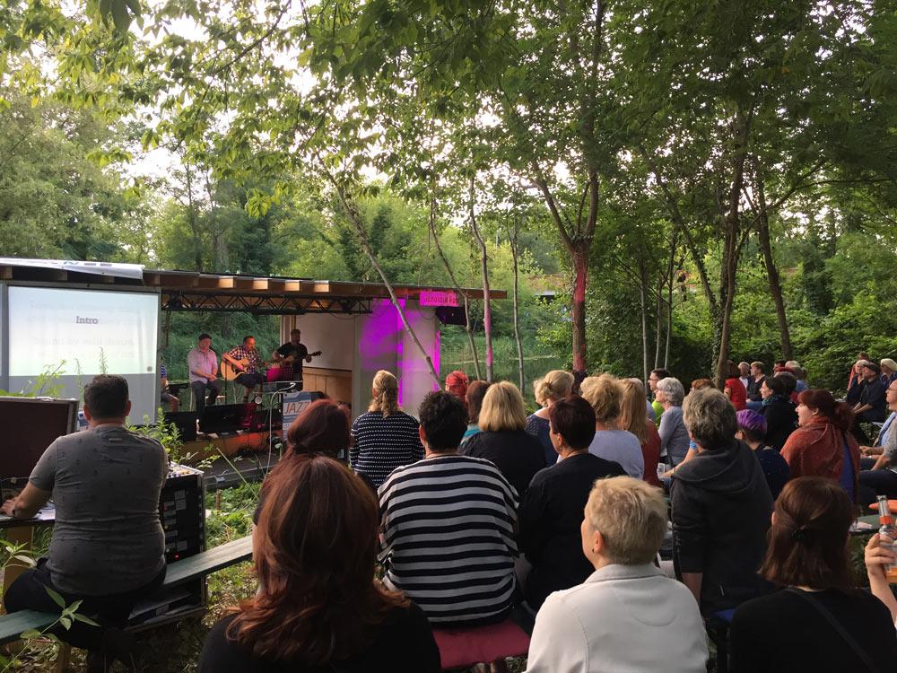 Offene Bühne, Gruppe FreiSingen auf der Traumschüffbühne